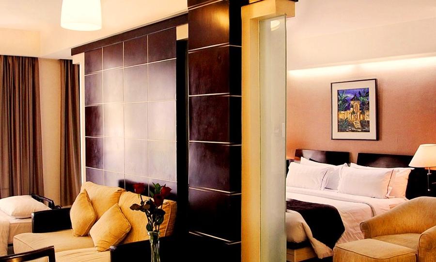 プレミアスイート4名1室利用時(ベッドルームとリビングルームにエキストラベッドが1台ずつ追加)【イメージ】